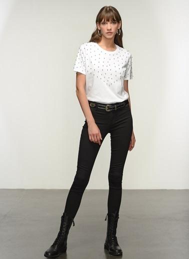 NGSTYLE Ngkaw21Ts0013 Zincir Detaylı Tshirt Beyaz